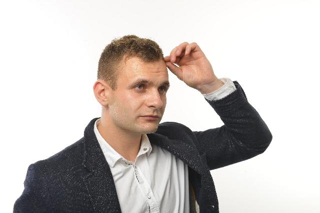男性薄毛の原因と対策は?治療するにはどうする?