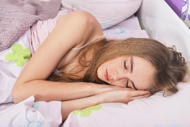 寝付きが悪い原因とは?改善するには?薬はどう?
