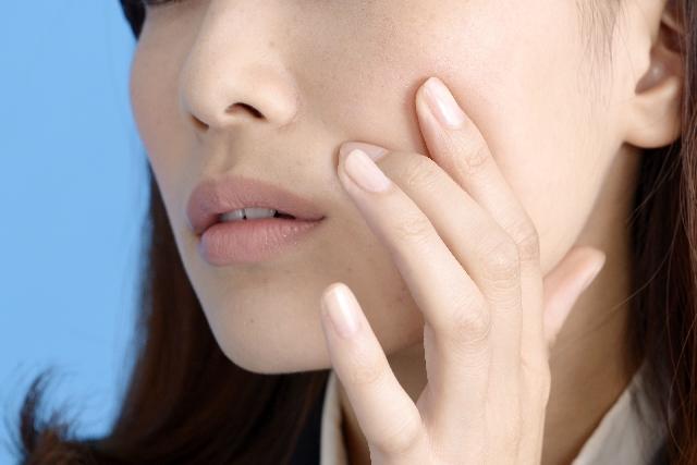 シミを顔から除去するには?レーザー治療はどう?おすすめの薬は?