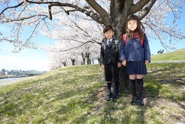 子供の入学式でスーツの色はどうする?着物はあり?スーツのレンタルはどう?